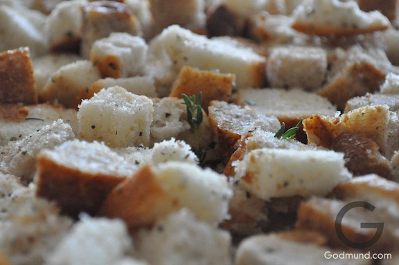 Bread Cubes for Simple Bread Stuffing for Thanksgiving Dinner