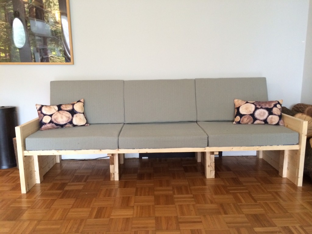 Image of sofa made from 2x4s